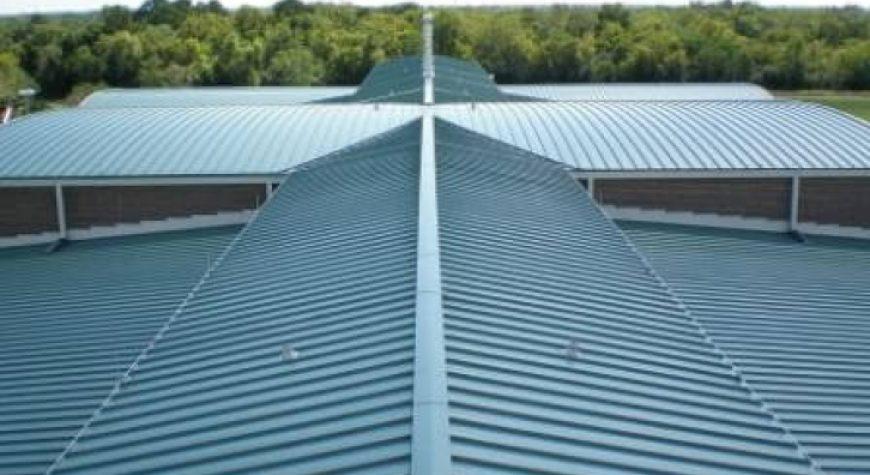 Lắp dựng mái tôn cho nhà tiền chế hiện đại